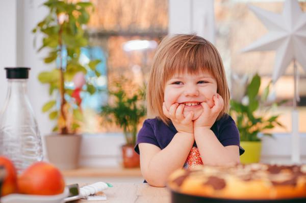 Bí quyết nuôi trẻ thành công: làm việc nhà càng sớm càng tốt